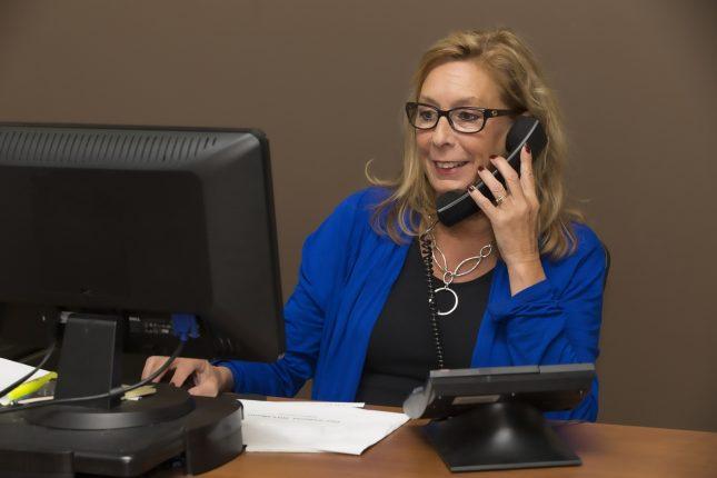secretary-office-sales-telephony-call-screen