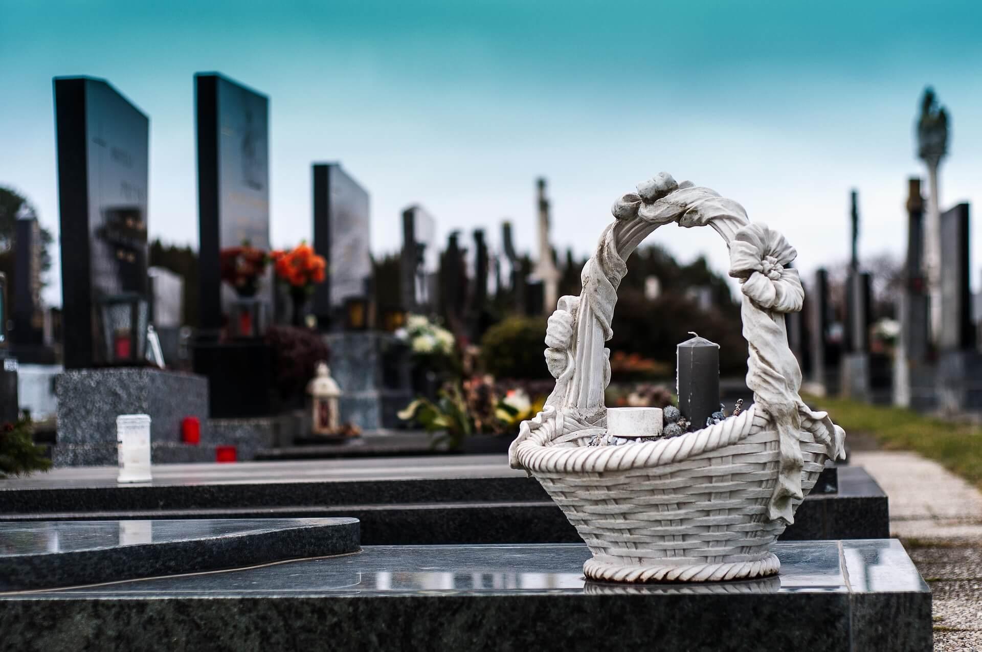 cemetery-1758349_1920